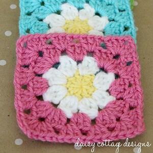Daisy Granny Square Crochet Pattern