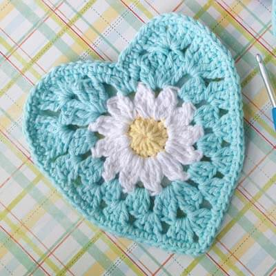 Free Heart Crochet Pattern with Daisy Center