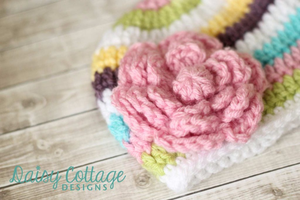 Free flower crochet pattern from Daisy Cottage Designs
