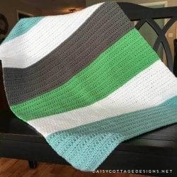 Crochet Baby Blanket Pattern: A Color Block Blanket
