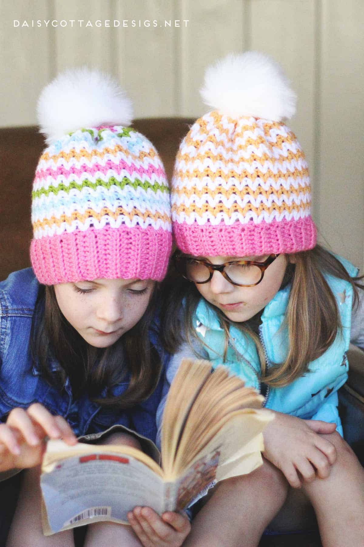Use this free slouchy beanie crochet pattern from Daisy Cottage Designs to create gorgeous patterns for you, your friends, and your customers. | free crochet pattern, beanie crochet pattern, slouchy hat crochet pattern, slouch beanie crochet pattern, Quick Crochet Pattern, Beginner Crochet Pattern