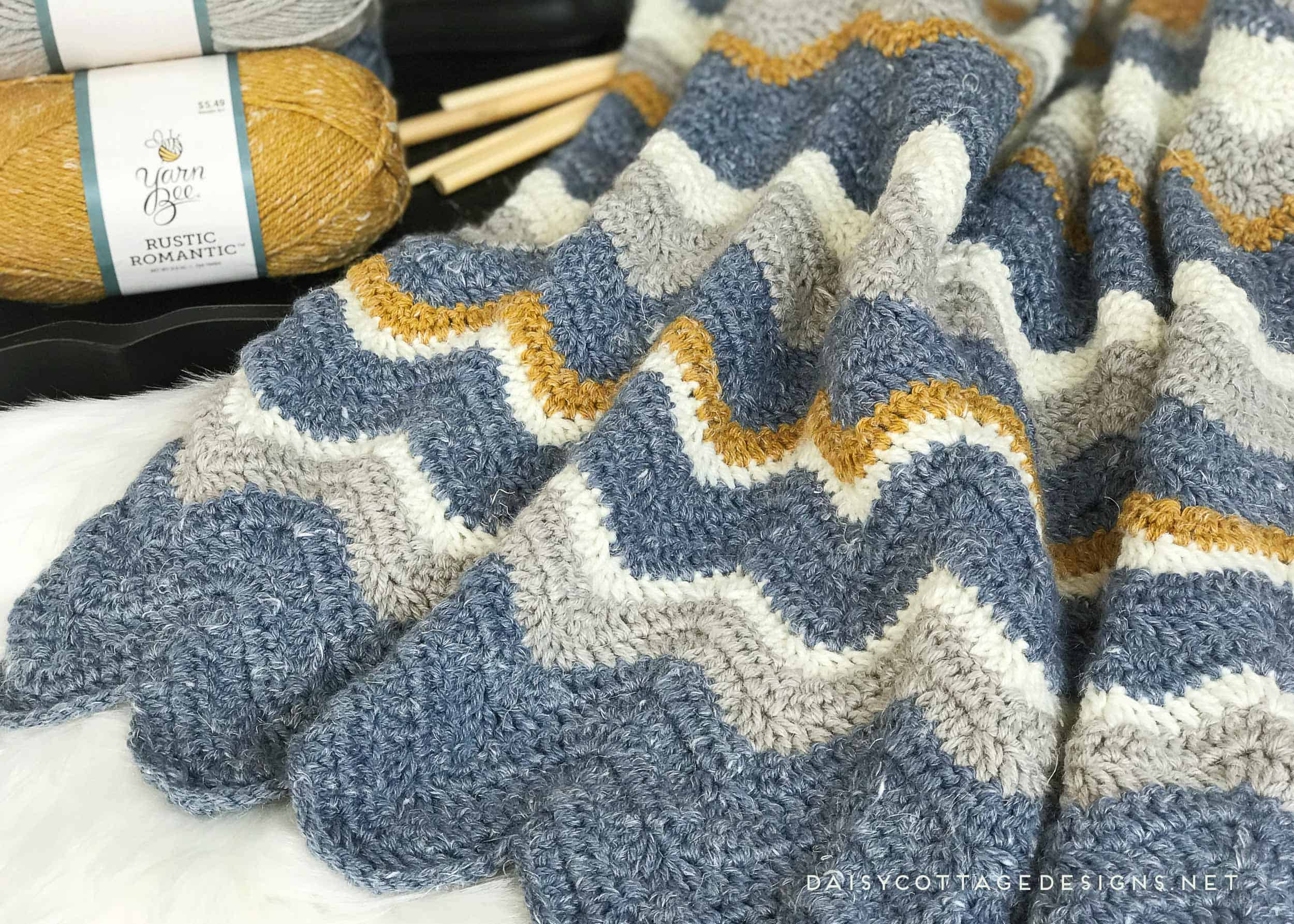 Use this chevron blanket crochet pattern from Daisy Cottage Designs to create a beautiful afghan in any size. | crochet bad blanket, crochet afghan pattern, easy crochet pattern, free crochet pattern, ripple crochet pattern